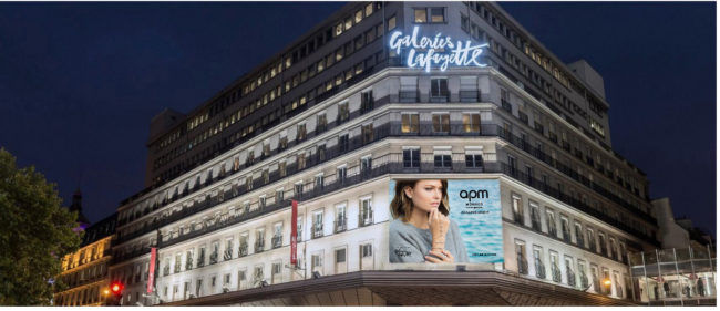 advertising facade galeries lafayette